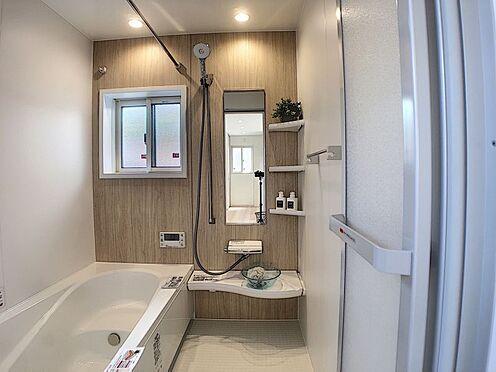 戸建賃貸-安城市安城町清水 ゆっくりくつろぎたくなる浴室です。半身浴やボディケアなど、ひとりの時間もお楽しみください。