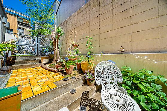 区分マンション-港区南麻布3丁目 専用庭約13.78平米(植栽・家具などは販売価格に含まれません。)