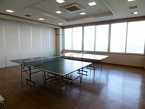 中古マンション-熱海市上多賀 卓球室。10:00〜22:00まで。1時間200円。実は利用数一番人気の卓球台。温泉旅館には定番の卓