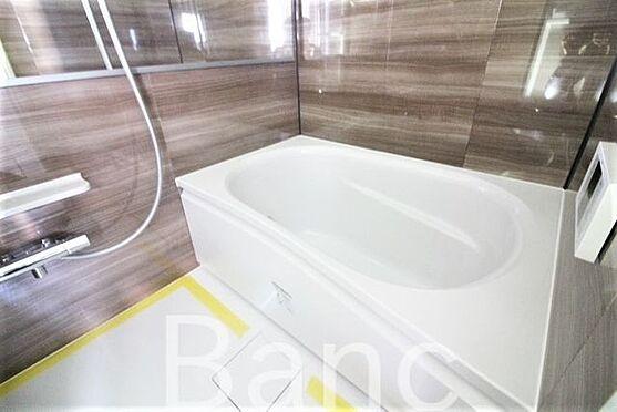 中古マンション-世田谷区赤堤1丁目 追炊き浴室換気乾燥機能付きシステムユニットバス、花粉の時期や梅雨時は浴室乾燥機があると助かりますね