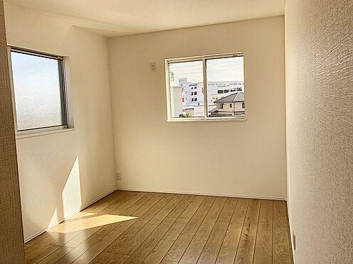 新築一戸建て-知多郡東浦町大字石浜字須賀 日当たり良好な二階洋室です