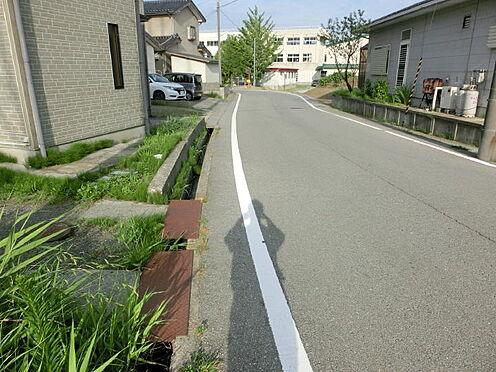 アパート-佐渡市石田 前面道路