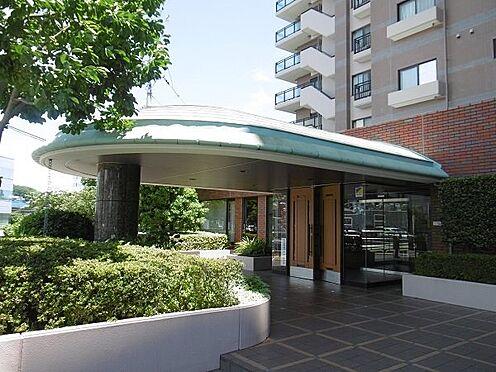 中古マンション-多摩市永山1丁目 お洒落なマンションの玄関です。