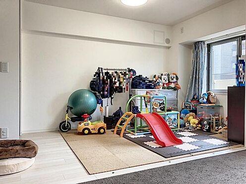 中古マンション-名古屋市緑区鳴海町字伝治山 LDKに繋がった洋室と合わせて約23帖の広々空間!