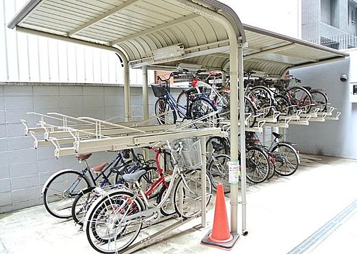 マンション(建物一部)-大阪市北区同心1丁目 屋根のある駐輪場あり