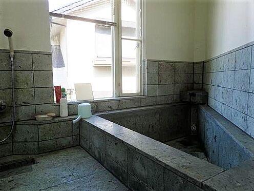 中古一戸建て-田方郡函南町平井 【浴室】温泉権は2019年10月27日迄の有効期限があります。別途費用負担にて更新も可能です。