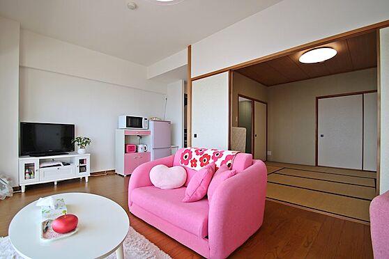 リゾートマンション-熱海市熱海 オーナー様は非常に綺麗にお部屋を利用されており、荷物もさっぱりと別荘利用をされています。