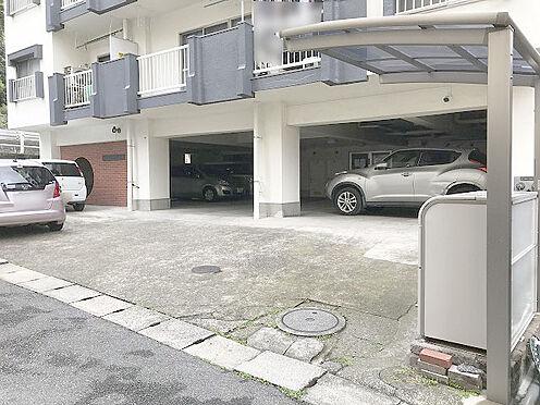 マンション(建物一部)-松戸市松戸 【駐車場】エントランス入り口に駐車場あり。令和2年4月時点空き有り。