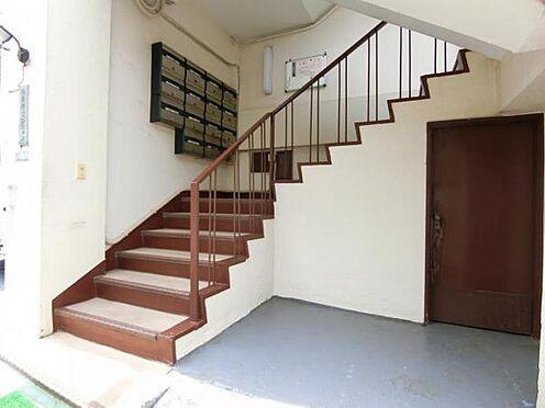 マンション(建物一部)-目黒区五本木1丁目 1段1段のスペースが非常に大きく緩やかな階段