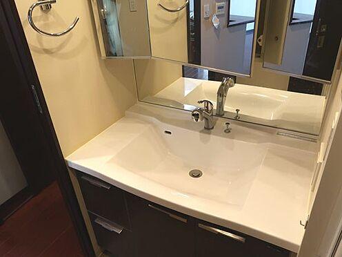 中古マンション-多摩市乞田 三面鏡タイプの洗面化粧台