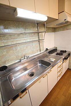 中古マンション-橿原市栄和町 入居前にお好きなメーカーのキッチンに新調されても良いですね。無料でお見積もりさせて頂きます。費用は住宅ローンに組み込む事も可能です。