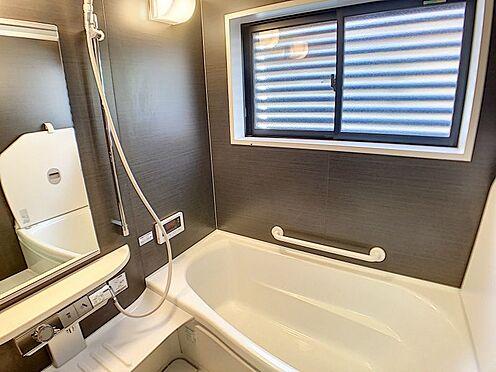戸建賃貸-一宮市伝法寺3丁目 設備の整った浴室です。