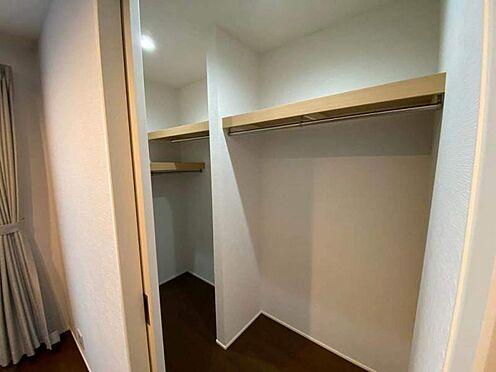 中古一戸建て-日進市岩崎町元井ゲ ウォークインクローゼット付き。お部屋もすっきり片づけられます。