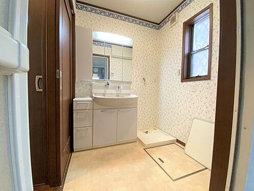 中古一戸建て-長久手市山野田 洗面室には収納もあり、奥様も安心です。