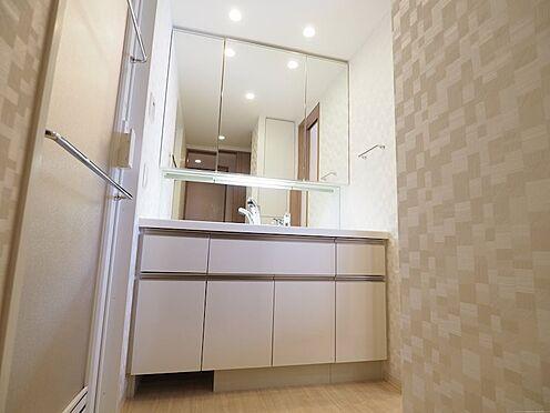 中古マンション-千葉市美浜区稲毛海岸5丁目 高級感のある洗面化粧台です!