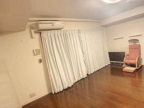中古マンション-豊田市前山町3丁目 リビングは広々約18.2帖で、お友達を呼んでホームパーティなどいかがですか?