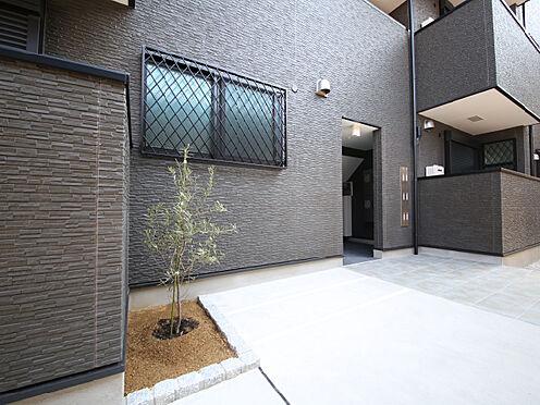 アパート-東大阪市小若江1丁目 敷地内に駐輪場、ゴミ置場を設置。