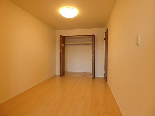 中古マンション-新潟市中央区南出来島2丁目 リビングと一体としても使える約5.6帖洋室