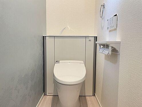 戸建賃貸-名古屋市港区港陽1丁目 収納一体型トイレ。掃除道具などを収納しスッキリとさせることが出来ます。(1階のみ)(同仕様)