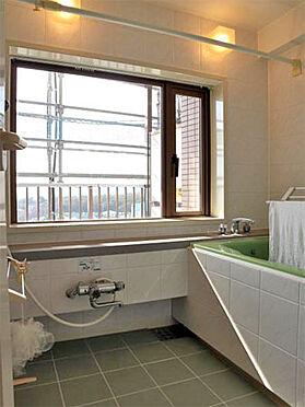 中古マンション-伊東市富戸 ≪浴室≫ 利用頻度が少ない為、綺麗な状態です。