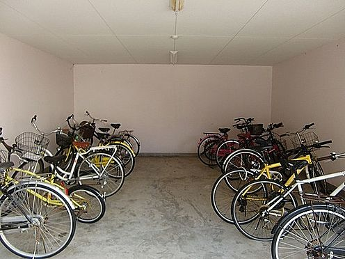 マンション(建物一部)-大阪市淀川区野中南1丁目 雨風で汚れない駐輪場