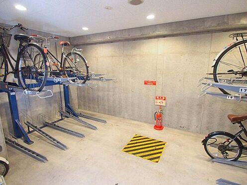 区分マンション-大阪市中央区上町1丁目 雨風で汚れない駐輪場