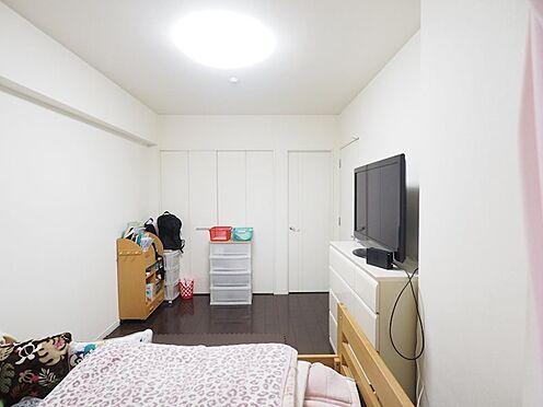 中古マンション-浦安市東野2丁目 6.4帖洋室。ウォークインクローゼットとつながっています。