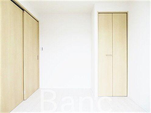 中古マンション-足立区東和3丁目 引き戸式の扉でドアのデッドスペースが無いのでお部屋を広く有効に使えます