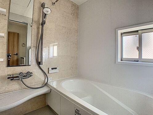 新築一戸建て-名古屋市守山区瀬古1丁目 広々と明るい浴室です。