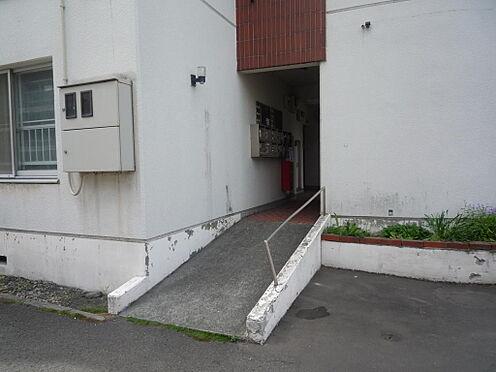 マンション(建物一部)-札幌市白石区南郷通1丁目北 スロープ付きエントランス