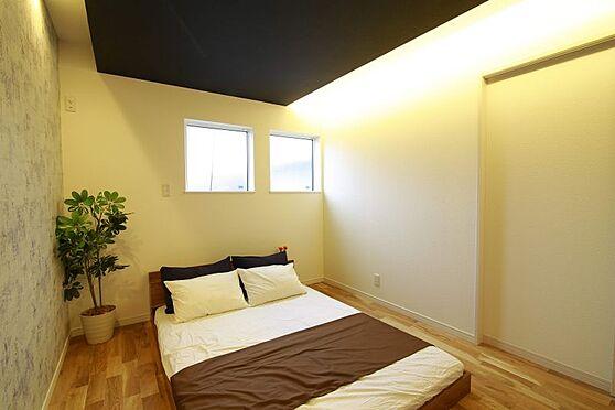 中古一戸建て-豊田市大林町10丁目 ベッドを置いても十分な広さがあるので、主寝室としてご利用ください。ドレッサーを置いたり本棚を置いたり、夫婦のくつろげるお部屋にしてくださいね♪