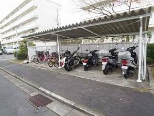マンション(建物一部)-神戸市北区ひよどり台3丁目 広い駐輪場