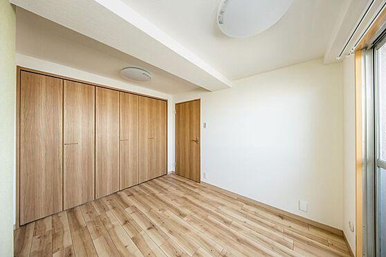 区分マンション-名古屋市南区東又兵ヱ町3丁目 大きな収納があるのでお部屋をスッキリとお使いいただけます。