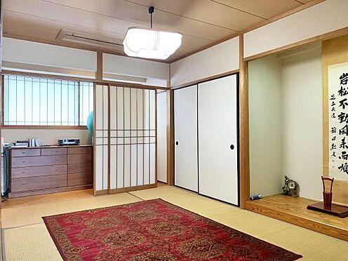 中古マンション-伊東市富戸 ≪和室≫ 6帖の和室。奥には広縁も。