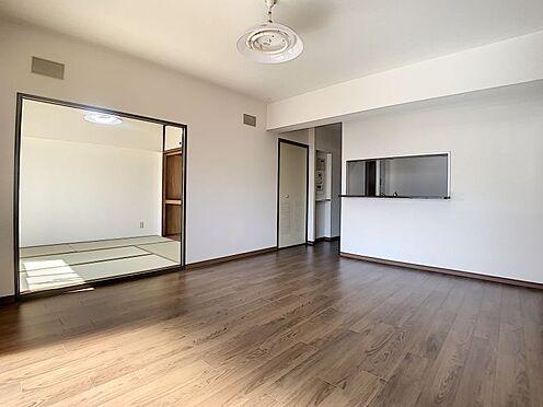中古マンション-豊田市下林町3丁目 和室の襖を開け放てばより広々空間としてもお使いいただけます!
