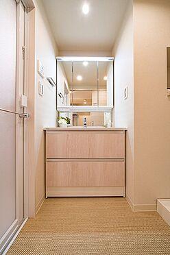 中古マンション-中央区新富1丁目 三面鏡付洗面化粧台