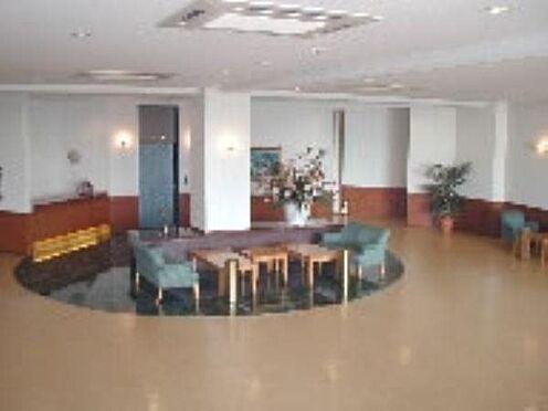 中古マンション-伊東市富戸 〔ロビー〕管理人さんが日勤で勤務しています。