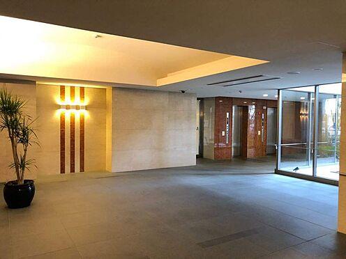 中古マンション-名古屋市中区松原2丁目 ベビーカーも楽に入れる大型エレベーターが2基付いてます!