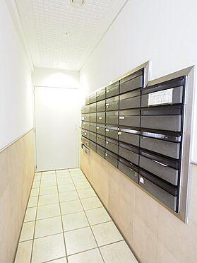 中古マンション-浦安市富士見5丁目 オートロックを出ずに郵便物を受け取りれるウォールスルー型ポスト