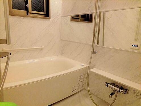 中古マンション-名古屋市守山区八反 窓付きの浴室で換気も楽々♪
