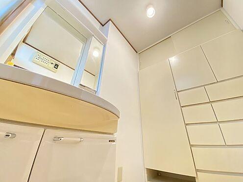 中古一戸建て-糟屋郡志免町田富1丁目 洗面室のスペースも広く収納量も十分あります♪