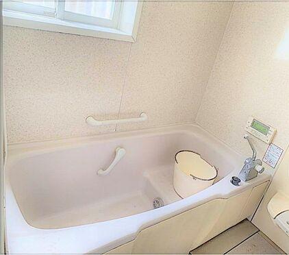 戸建賃貸-刈谷市野田町西田 浴室に窓があるので換気ができます!