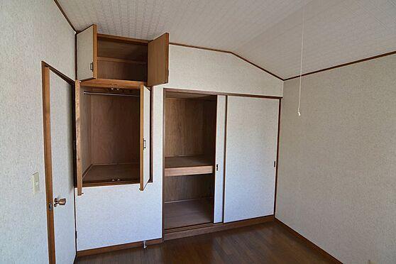 中古一戸建て-多摩市連光寺4丁目 2階洋室(4.5帖):収納スペースがたっぷりございます。