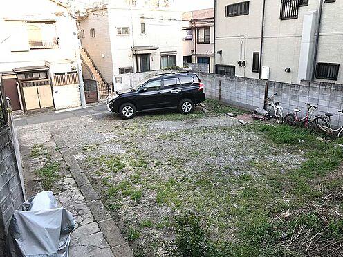 土地-品川区大井4丁目 現況立っているアパートの裏側は高低差がございます。