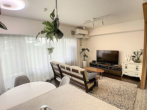 区分マンション-西尾市桜木町3丁目 採光に優れた居室が光と風を呼び込みます。温かく明るい生活を♪