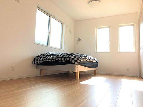 中古一戸建て-福岡市早良区野芥5丁目 約9帖の洋室です。ご家族の人数に合わせて4LDKへ間取り変更可能です。