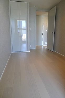 マンション(建物一部)-港区南青山2丁目 子供部屋