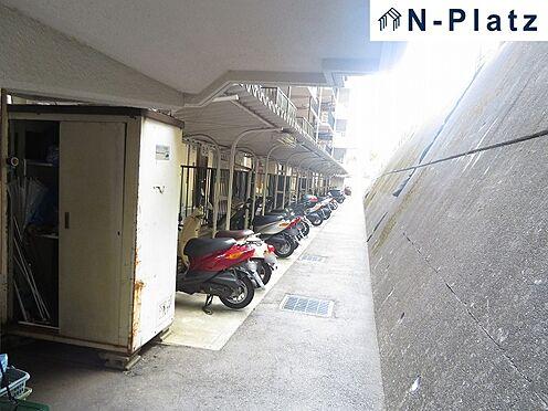 区分マンション-神戸市長田区高取山町2丁目 バイク置場は屋根付です♪