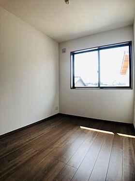 中古一戸建て-安城市東町獅子塚 洋室は通風・採光に優れた心地良い空間です