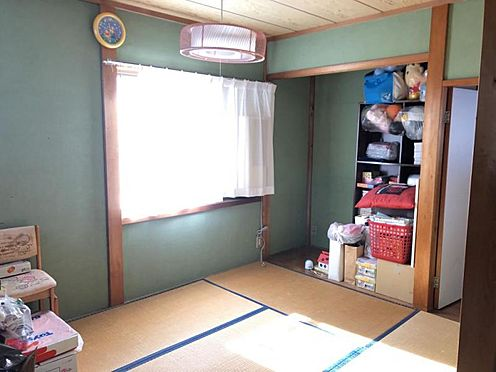 戸建賃貸-知多郡武豊町字山ノ神 2階には収納部屋もあるので、大きな荷物や季節外れのものをしまっておけます!